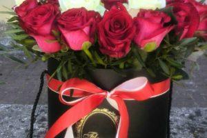 Капелюшна коробочка 33 троянди
