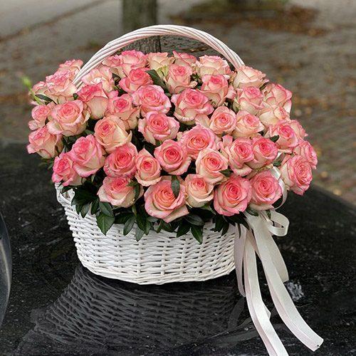 51 троянда Джумілія в кошику фото товару