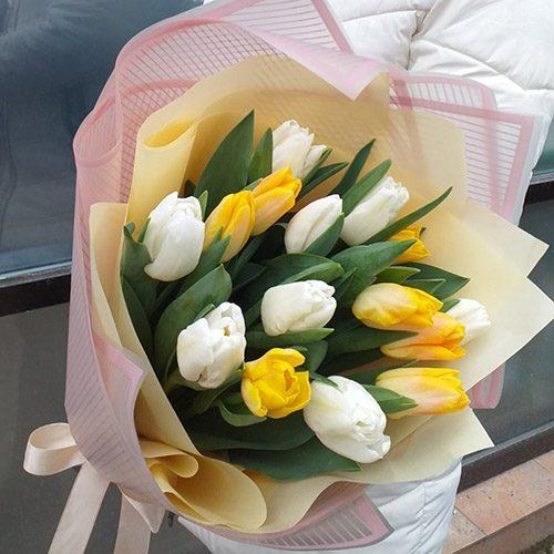 """Букет """"Сонце у квітні"""" (15 тюльпанів) фото"""