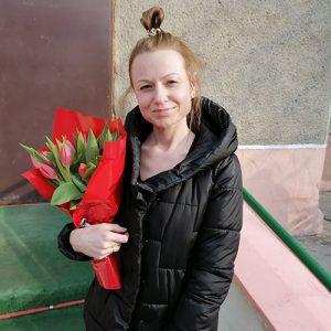 фотозвіт 15 червоних тюльпанів